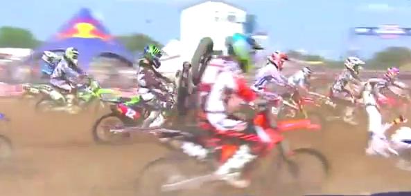Freestone 250 Moto 2: Replay of Justin Barcia's Holeshot Crash