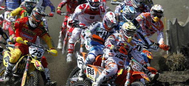 antonio-cairoli-celemnt-desalle-2012-motocross