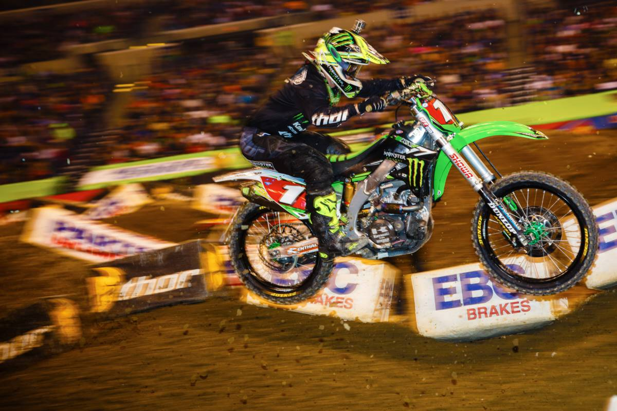 Ryan Villopoto crashed early and finished 4th, but still extended points lead. Photo by: Hoppenwrld