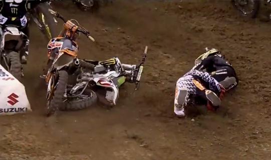 Ken Roczen and Ryan Villopoto Crash – 2014 Indianapolis SX