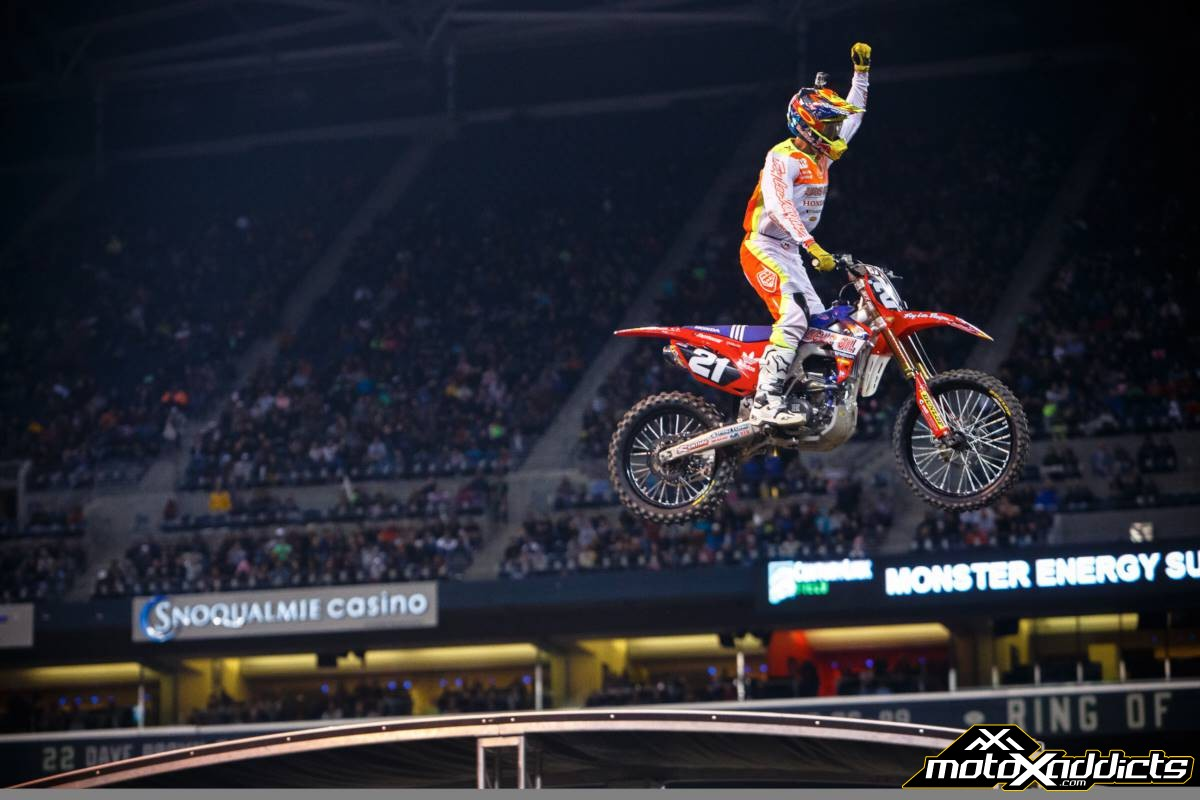 Anderson had the raw speed, but Seely got the win. Photo by: Hoppenworld