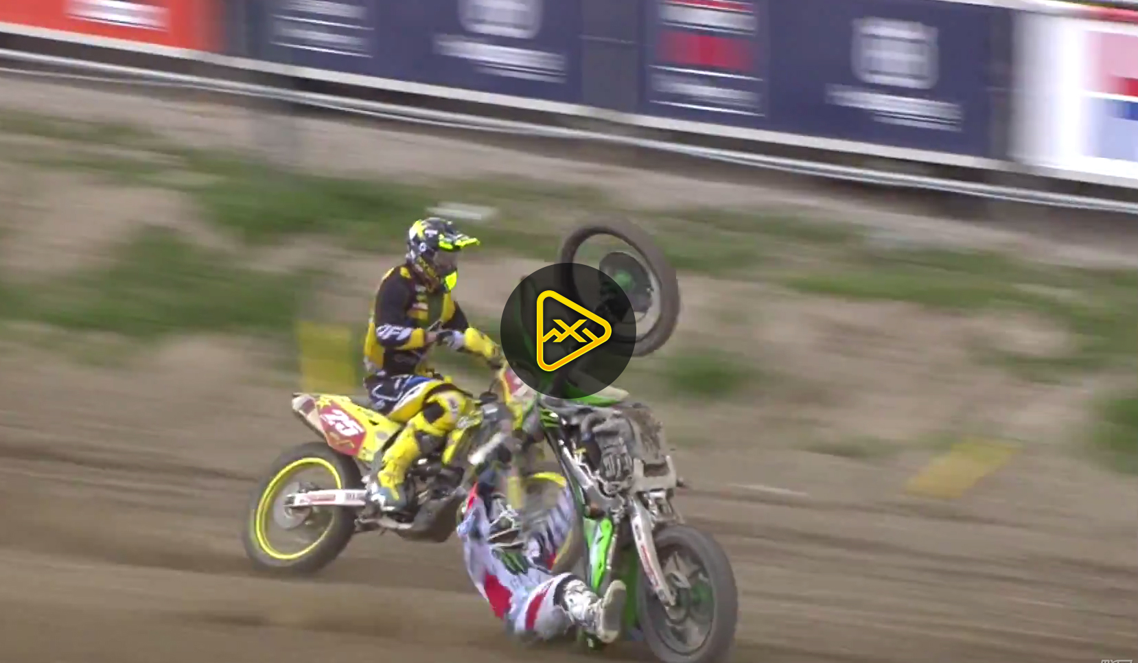 Ryan Villopoto Crash – Moto 2 at 2015 MXGP of Trentino