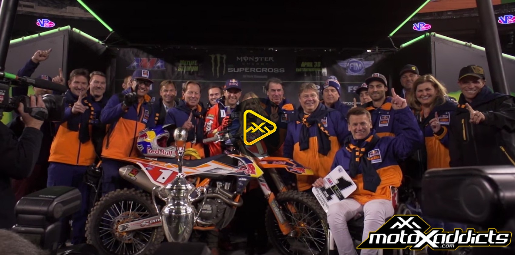 Chasing the Dream – Xtra – Ryan Dungey 2016 Championship