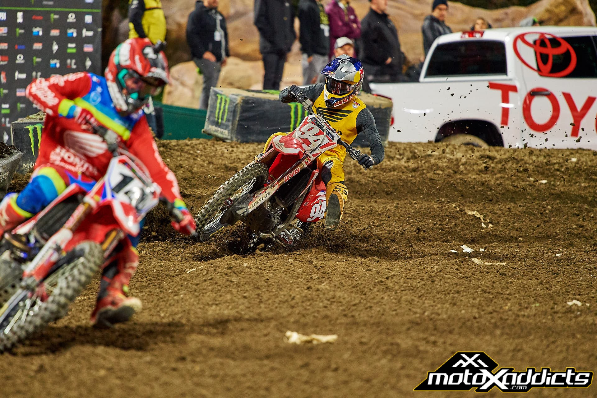 Ken Roczen (94) was shadowing Cole Seely when he crashed out of the series.