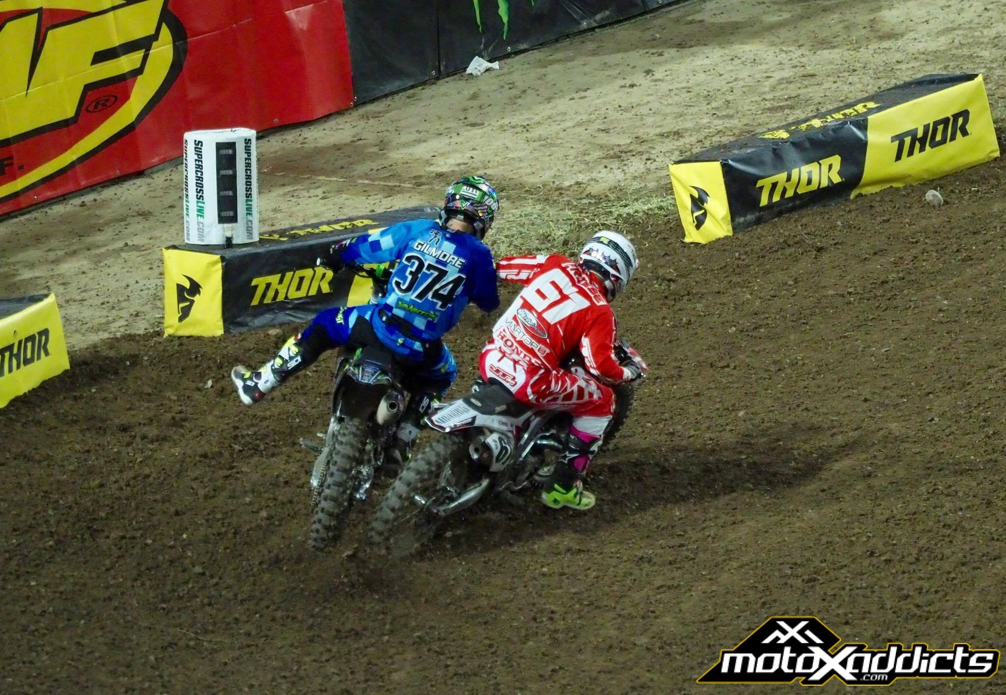Vince Friese #61 doing what he does best: coming in hot on Cody Gilmore in Glendale. Photo by: Mark Lester