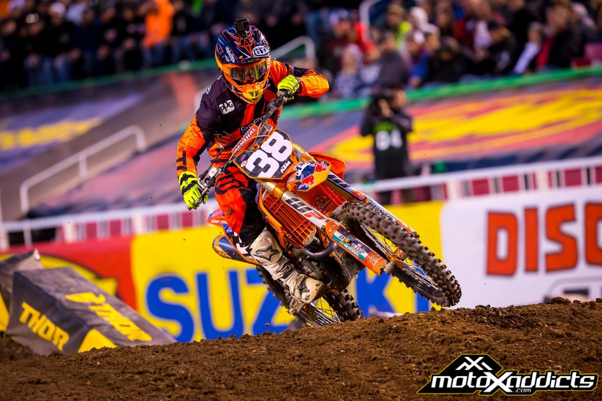 While mistakes were happening everywhere, Shane rode solid laps for 15 minutes plus one lap. Photo: KTM