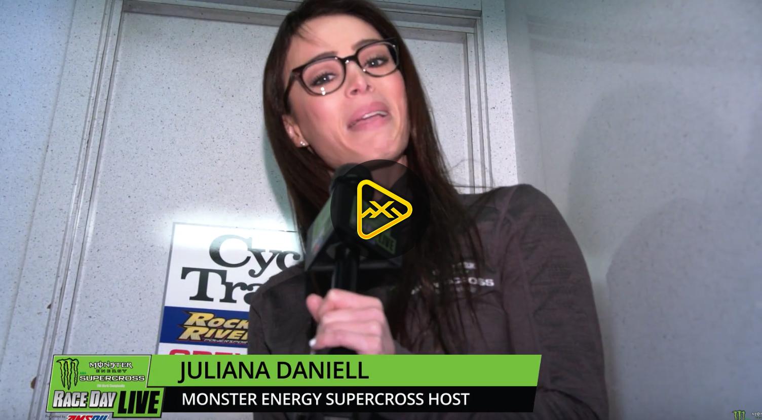 Juliana sneaks up on Brandon Hartranft  – 2018 Tampa SX
