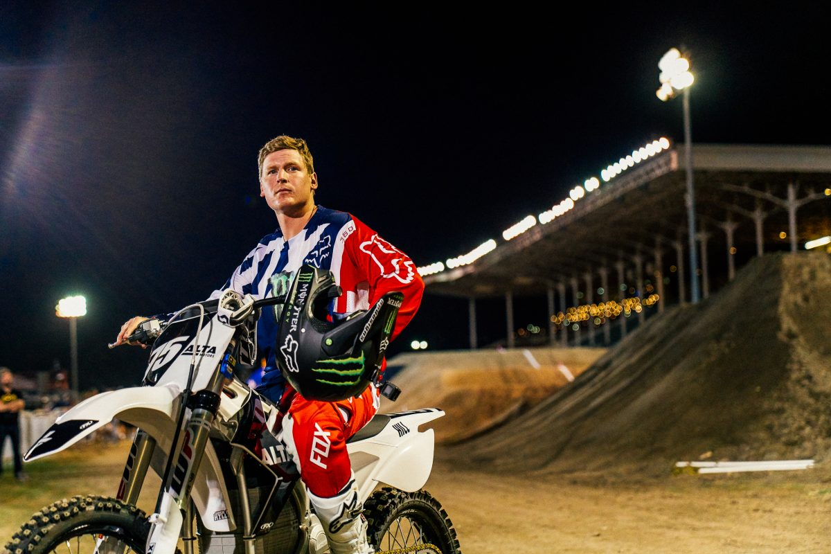 Josh Hill Signs with Cycle North for Triple Crown AX