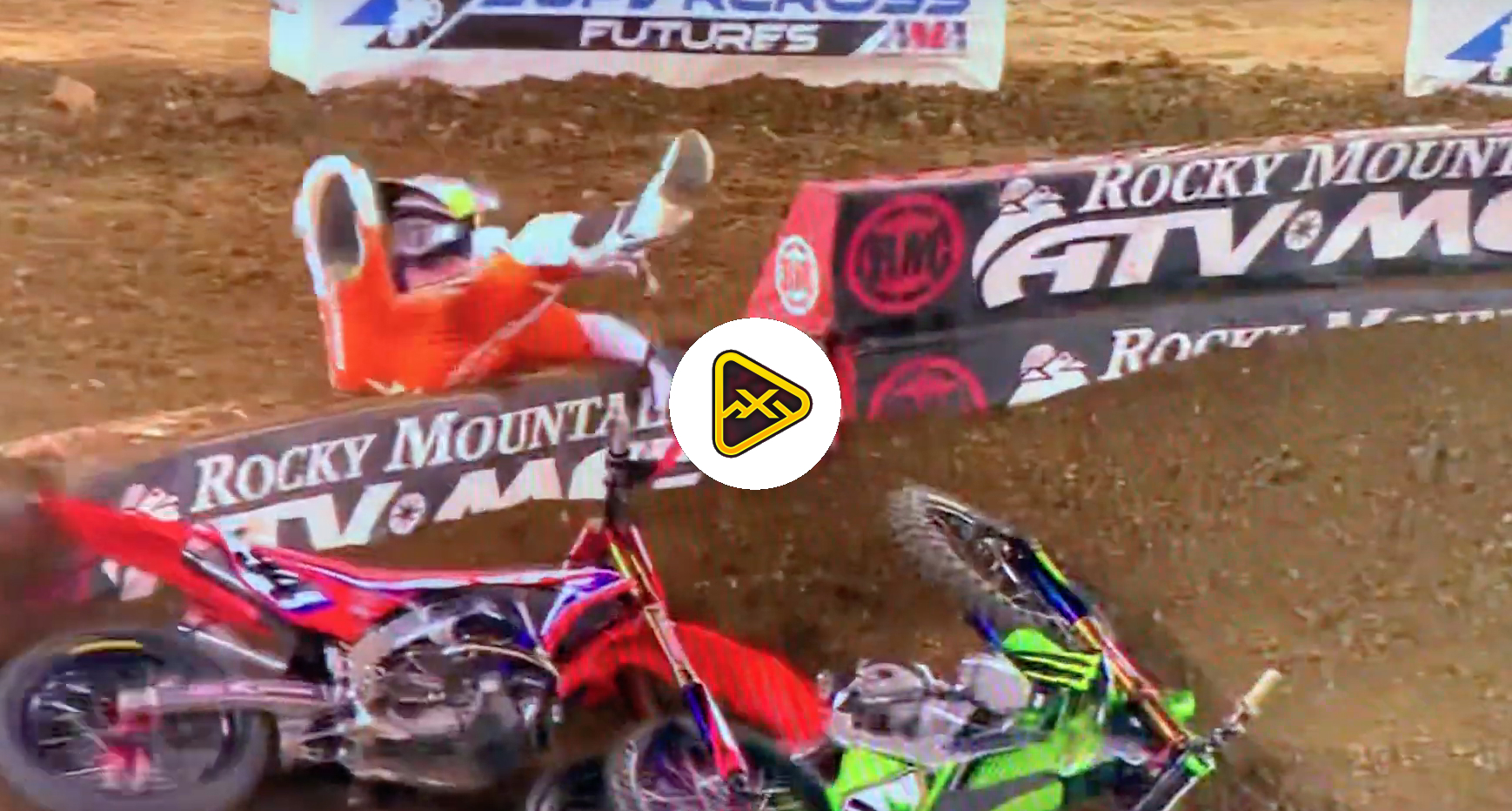 Ken Roczen & Joey Savatgy Crash – Nashville SX